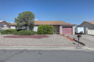 1642 DOMAIN Loop SE, Rio Rancho, NM 87124