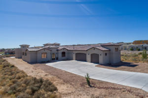 Property for sale at 1514 20th Avenue SE, Rio Rancho,  New Mexico 87124