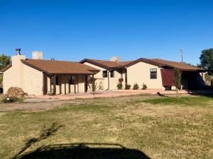 1068 Sichler Road, Los Lunas, NM 87031