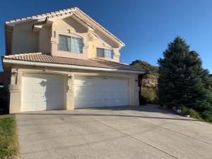 218 Camino De La Sierra NE, Albuquerque, NM 87123