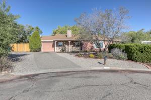 880 SPUR Place SE, Rio Rancho, NM 87124