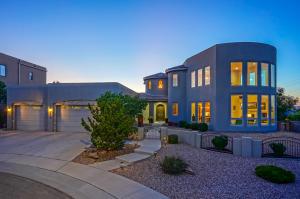 9219 La Tierra Court NE, Albuquerque, NM 87122