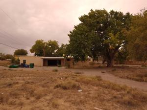 290 VALLEY HIGH Street SW, Albuquerque, NM 87105