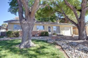 2904 California Street NE, Albuquerque, NM 87110