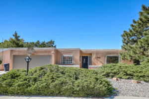 3515 CANDLELIGHT Drive NE, Albuquerque, NM 87111