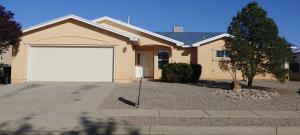 6913 GLEN HILLS Drive NE, Rio Rancho, NM 87144