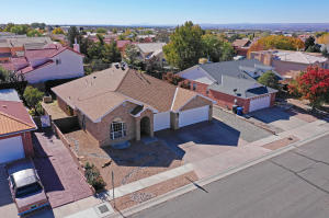 8104 CORONA Avenue NE, Albuquerque, NM 87122