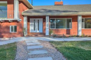 1408 Dakota Street NE, Albuquerque, NM 87110