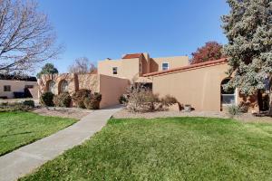 7409 VISTA DEL ARROYO Avenue NE, Albuquerque, NM 87109