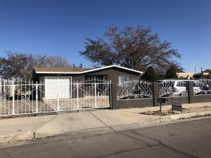 9021 BENAVIDES Road SW, Albuquerque, NM 87121
