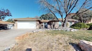 8925 Armistice Road NE, Albuquerque, NM 87109