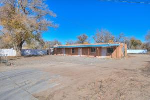 1863 FIVE POINTS Road SW, Albuquerque, NM 87105