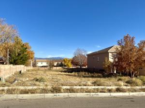 6208 WHITEMAN Drive NW, Albuquerque, NM 87120
