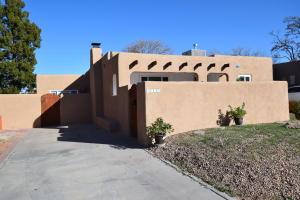 2715 SANTA CRUZ Avenue SE, Albuquerque, NM 87106