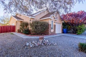 8320 SPRINGCROFT Road NW, Albuquerque, NM 87120
