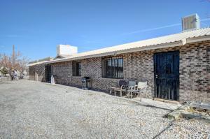 1724 DELGADO Drive SW, Albuquerque, NM 87121