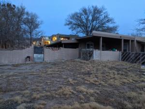 640 MOUNTAIN VIEW Avenue NE, Albuquerque, NM 87123