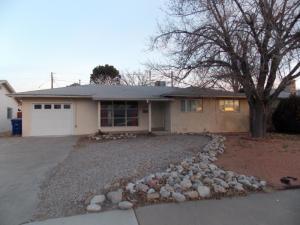 2936 PALOMAS Drive NE, Albuquerque, NM 87110