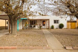 1324 BOATRIGHT Drive NE, Albuquerque, NM 87112