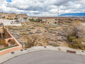 Bluffside Place NW, Albuquerque, NM 87105