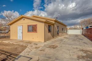 217 Sanchez Road NW, Albuquerque, NM 87107