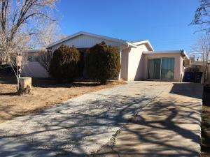 1120 SHIRLEY Street NE, Albuquerque, NM 87112