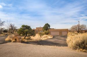 1724 QUAIL RUN Court NE, Albuquerque, NM 87122