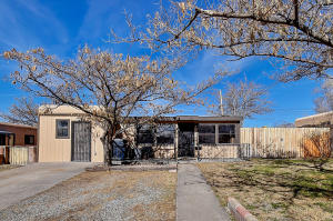 9201 Mescalero Road NE, Albuquerque, NM 87111