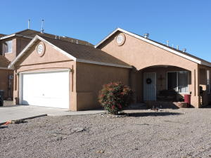 8809 TEMPLETON Avenue SW, Albuquerque, NM 87121