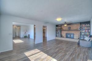 301 CABEZA NEGRA Drive SE, Rio Rancho, NM 87124