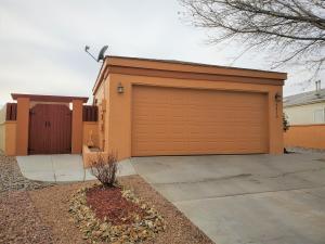 2413 HIGH DESERT Circle NE, Rio Rancho, NM 87144