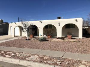 645 MAXINE Street NE, Albuquerque, NM 87123