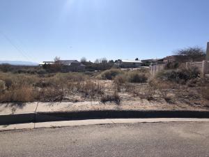 1802 Calle Del Vista NW, Albuquerque, NM 87105