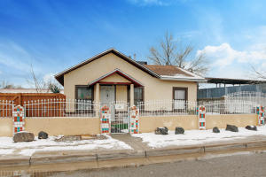 612 ASPEN Avenue NW, Albuquerque, NM 87102