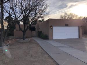1020 STANFORD Drive NE, Albuquerque, NM 87106