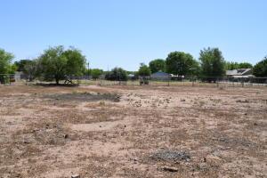 770 Foxcroft Loop, Bosque Farms, NM 87068