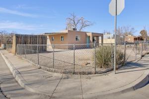 201 GENERAL CHENNAULT Street NE, Albuquerque, NM 87123