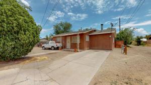 316 N 10TH Street, Belen, NM 87002