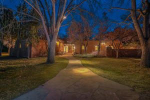 Welcome to a true masterpiece of pueblo architecture created by master craftsman, Nat Kaplan