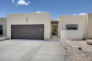 3019 Jardin Plaza NE, Albuquerque, NM 87110