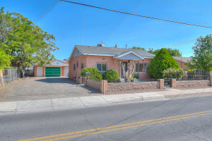 2425 MOUNTAIN Road NW, Albuquerque, NM 87104