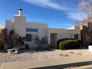 7109 Hollis Street NE, Albuquerque, NM 87109