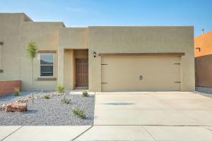 10004 Sacate Blanco Avenue SW, Albuquerque, NM 87121