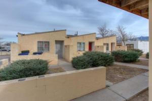 302 VIRGINIA Street NE, Albuquerque, NM 87108