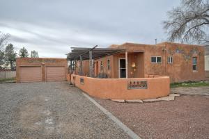 454 GENE Avenue NW, Albuquerque, NM 87107