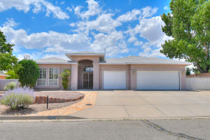2456 MANZANO Loop NE, Rio Rancho, NM 87144