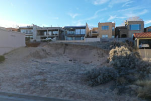1721 Bluffside Drive NW, Albuquerque, NM 87105