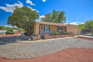 8410 Haines Avenue NE, Albuquerque, NM 87110