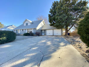 10504 Santa Susana Road NE, Albuquerque, NM 87111