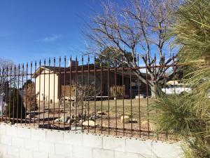13201 WESTVIEW Court NE, Albuquerque, NM 87123